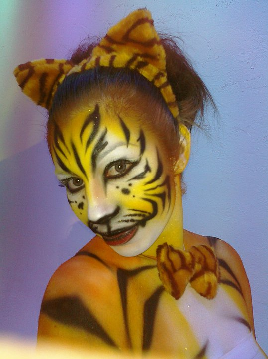 Tiger girl Body paint